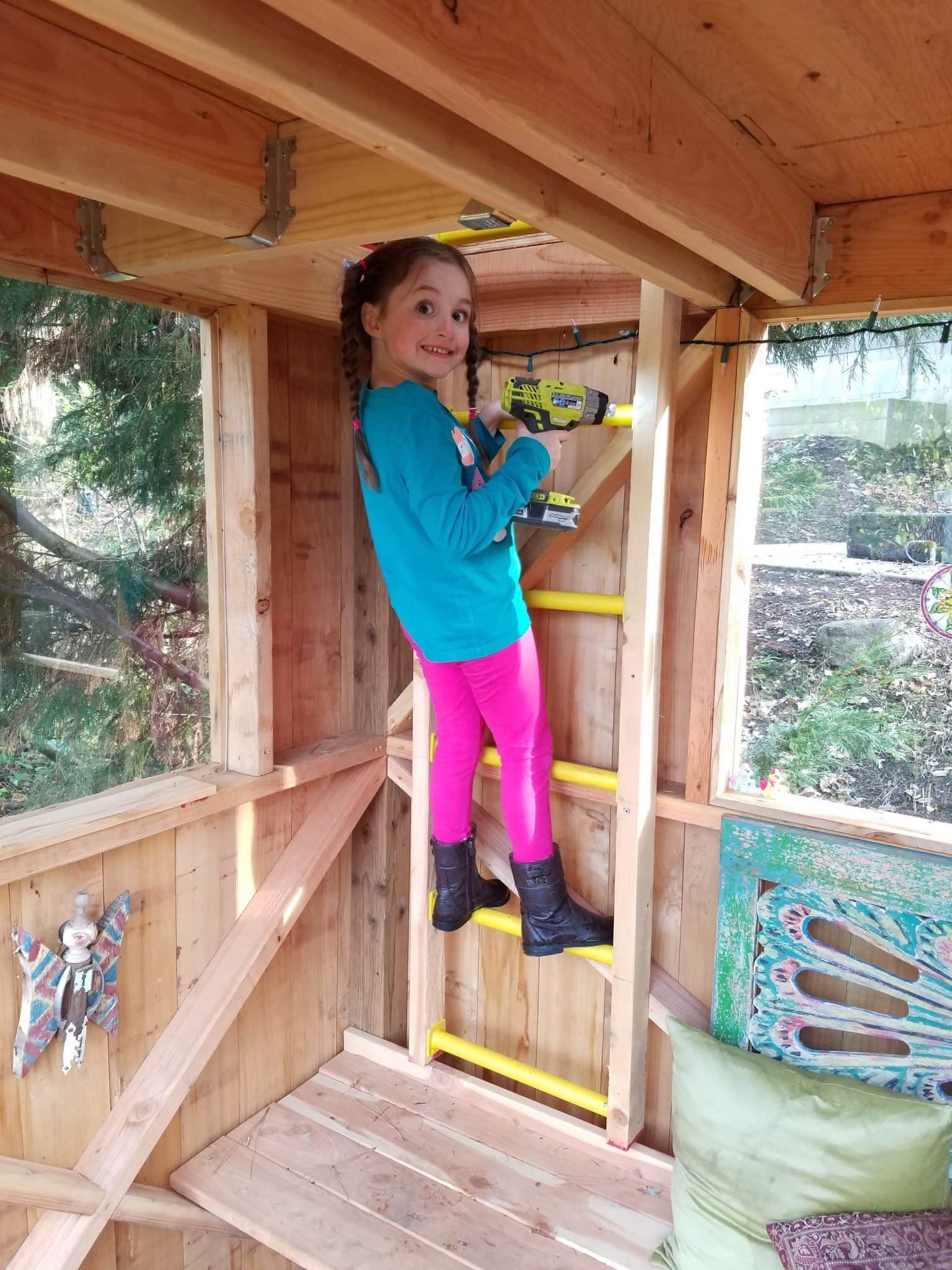 Anna in treehouse